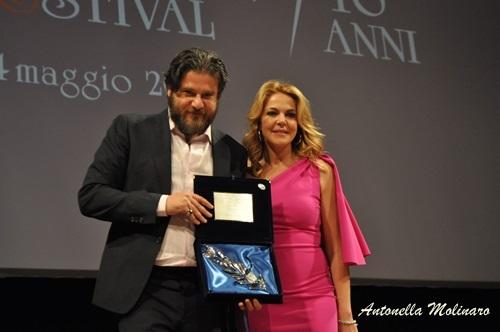 Non sono un assassino: Claudia Gerini premia Edoardo Pesce