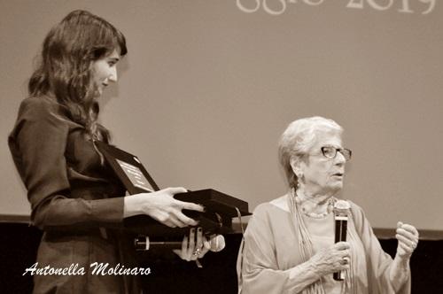 L'attrice Linda Caridi con Gigliola Scola moglie di Ettore Scola