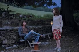André Marcon e Isabelle Huppert in una scena del film Le cose che verranno