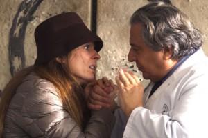 Audrey Dana e Christian Clavier in una scena del film Qualcosa di troppo