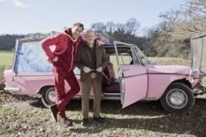 Max Tortora e Massimo Boldi in una scena del film