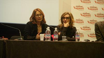 Da sinistra: Elena Sofia Ricci e Lunetta Savino