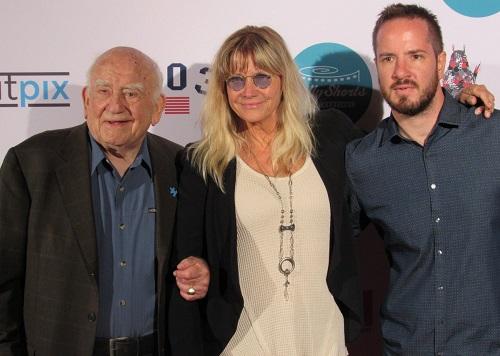Ed Asner, Cindy Pickett ed Eitan Pitigliani