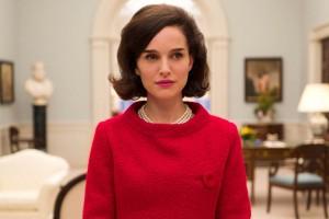Natalie Portman in una scenda del film Jackie