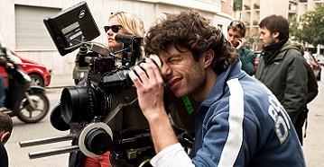 Il regista Sidney Sibilia