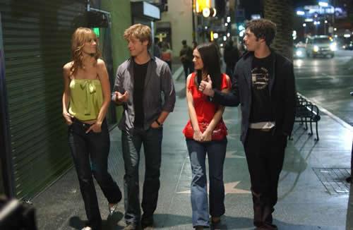 Marissa, Ryan, Summer e Seth in una scena della prima stagione