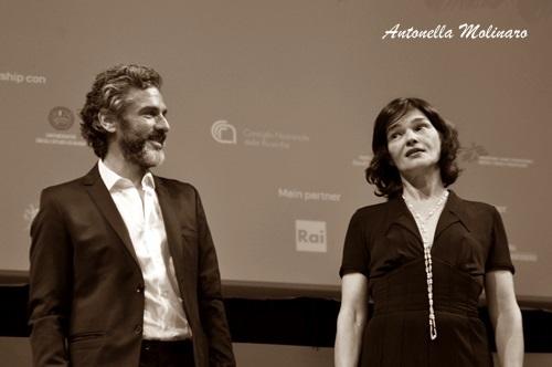 L'attore argentino Leonardo Sbaraglia con Chiara Caselli