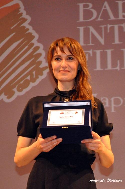 L'attrice Paola Cortellesi riceve il premio all'eccellenza cinematografica